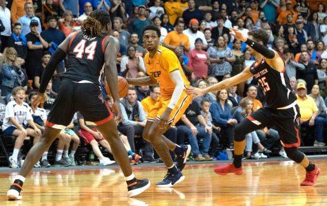 Basketball season kicks off for Miner Nation