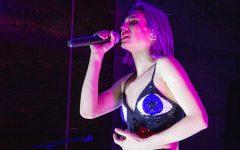 Alternative singer Anastasia Elliot performs to support music education, El Paso shooting victims