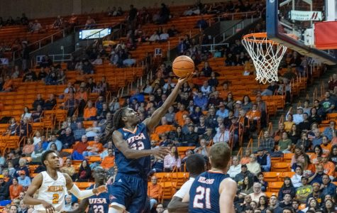 UTSA's  Keaton Wallace  drives to the basket versus the UTEP Miners Jan. 15.