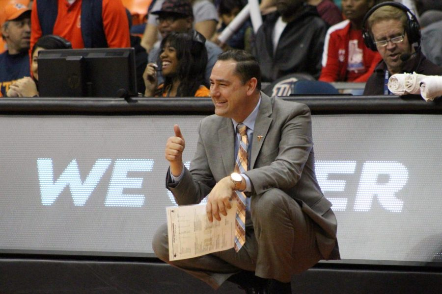 UTEP+women%27s+basketball+head+coach+Kevin+Baker+gives+a+thumbs+up+to+his+team+in+its+94-54+win+over+UTSA+at+the+Don+Haskins+Center.