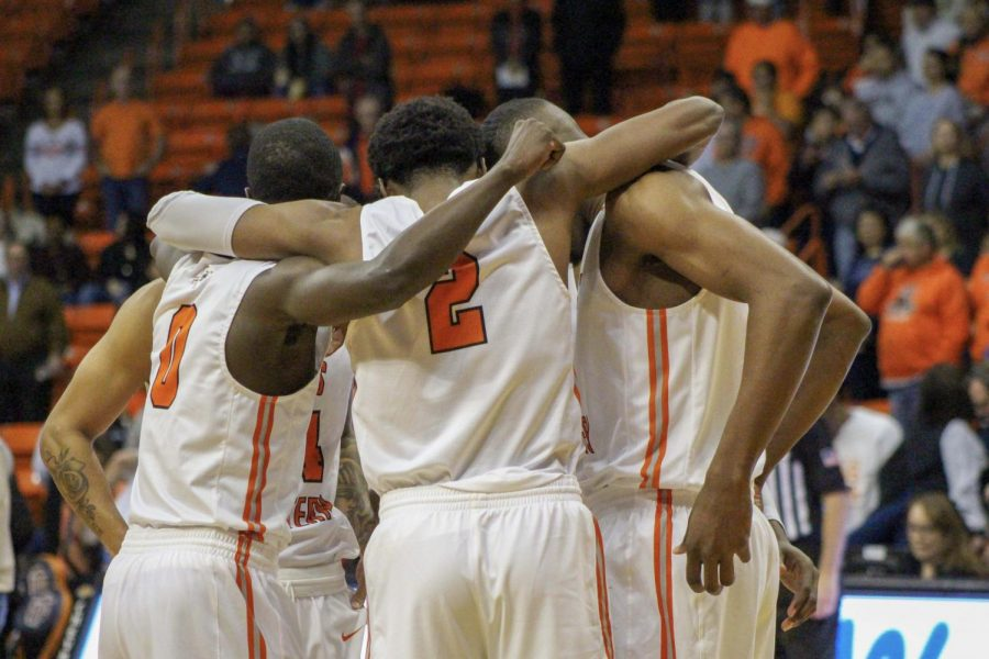 UTEP+dominates+on+%E2%80%9CSenior+Night%E2%80%9D+en+route+to+75-56+win+in+home+finale