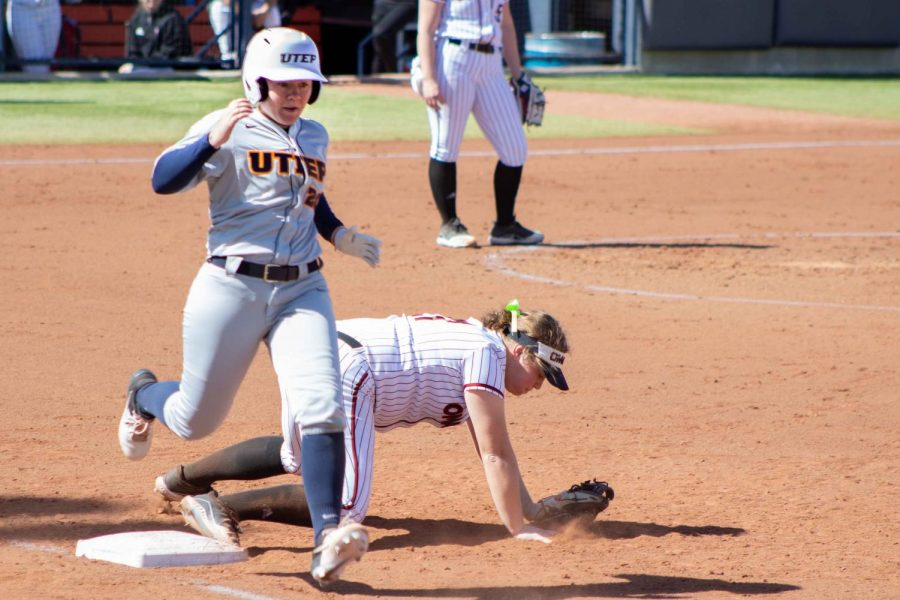 Junior infielder Macey Brown runs hard to beat out close play at first base versus Omaha Sunday Feb. 23.