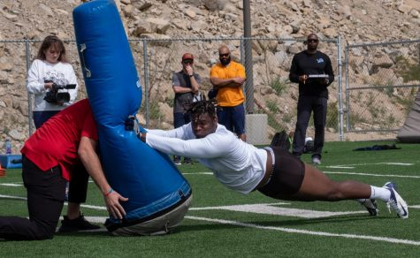 UTEP NFL prospect and  defensive lineman Denzel  Chukwukelo performs drills at Miner Pro Day March 12.