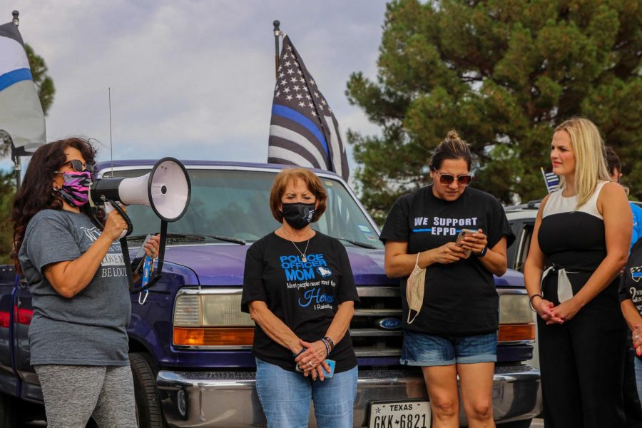 President of the El Paso Police Wives and Family Support Organization  Melissa Bailey address Helinda Ortiz and the rest of the crowd at Officer David Ortiz Recreational Park in El Paso July 23, 2020.