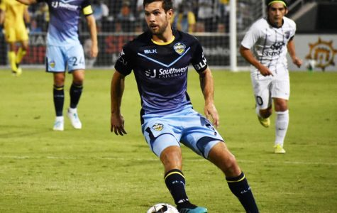 El Paso Locomotive midfielder Dylan Mares plays against San Antionio at Southwest University Park. Saturday, Sept, 12, 2020.