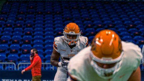 Freshman running back Deion Hankins prepares for game versus UTSA Roadrunners Oct. 14.