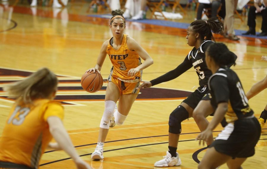 UTEP+sophomore+point+guard+Katia+Gallegos+dribbles+the+ball+into+the+paint+versus+Southern+Mississippi+Jan.+1.+