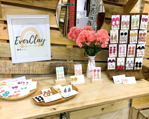 Ever Clay is a small brand in El Paso, Texas and Ciudad Juarez, Mexico, selling handmade jewelry by Genesis Valdez. In the photo, Ever Clay displays its jewelry collection in Luna Bazzar, Ciudad Juarez, Mexico.